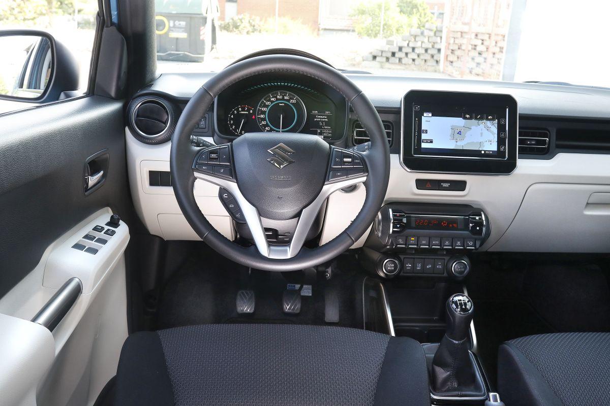 Suzuki Ignis 1.2L. Salpicadero
