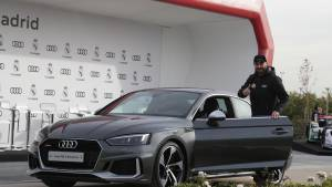 Audi entrega sus vehículos a la plantilla del Real Madrid (fotos)