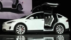 Diez famosos a los que los españoles les comprarían el coche (fotos)