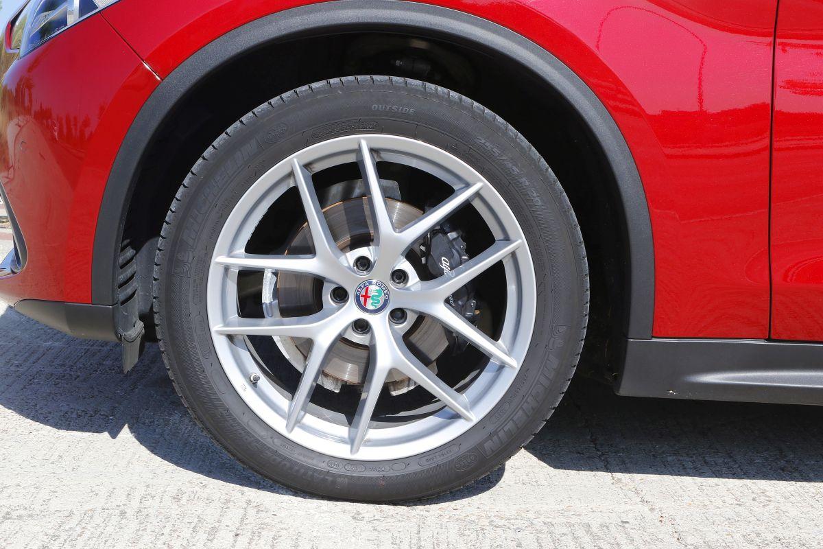 Alfa Romeo Stelvio 2.2 Diesel 210 CV. Llantas