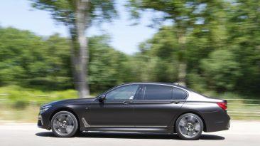 BMW M760Li xDrive. Barrido a izquierda