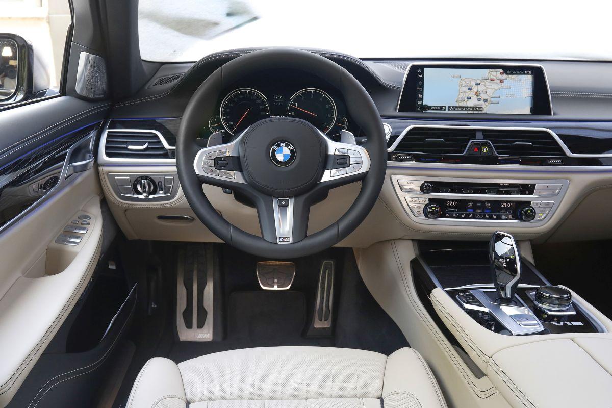 BMW M760Li xDrive. Salpicadero