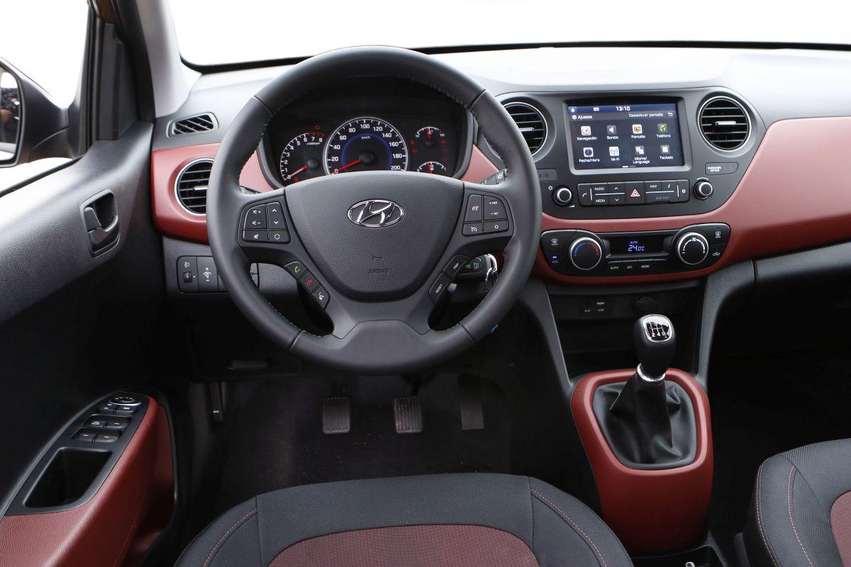 Hyundai i10 1.2 MPI 87 CV. Salpicadero