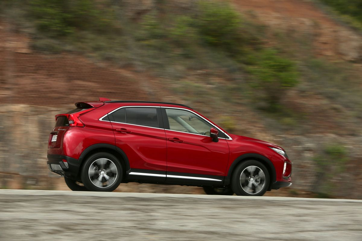 Mitsubishi Eclipse Cross. Barrido a la derecha