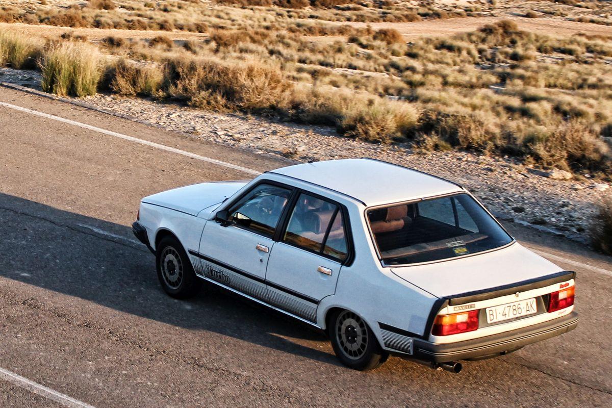 Renault 18 Turbo. Cenital