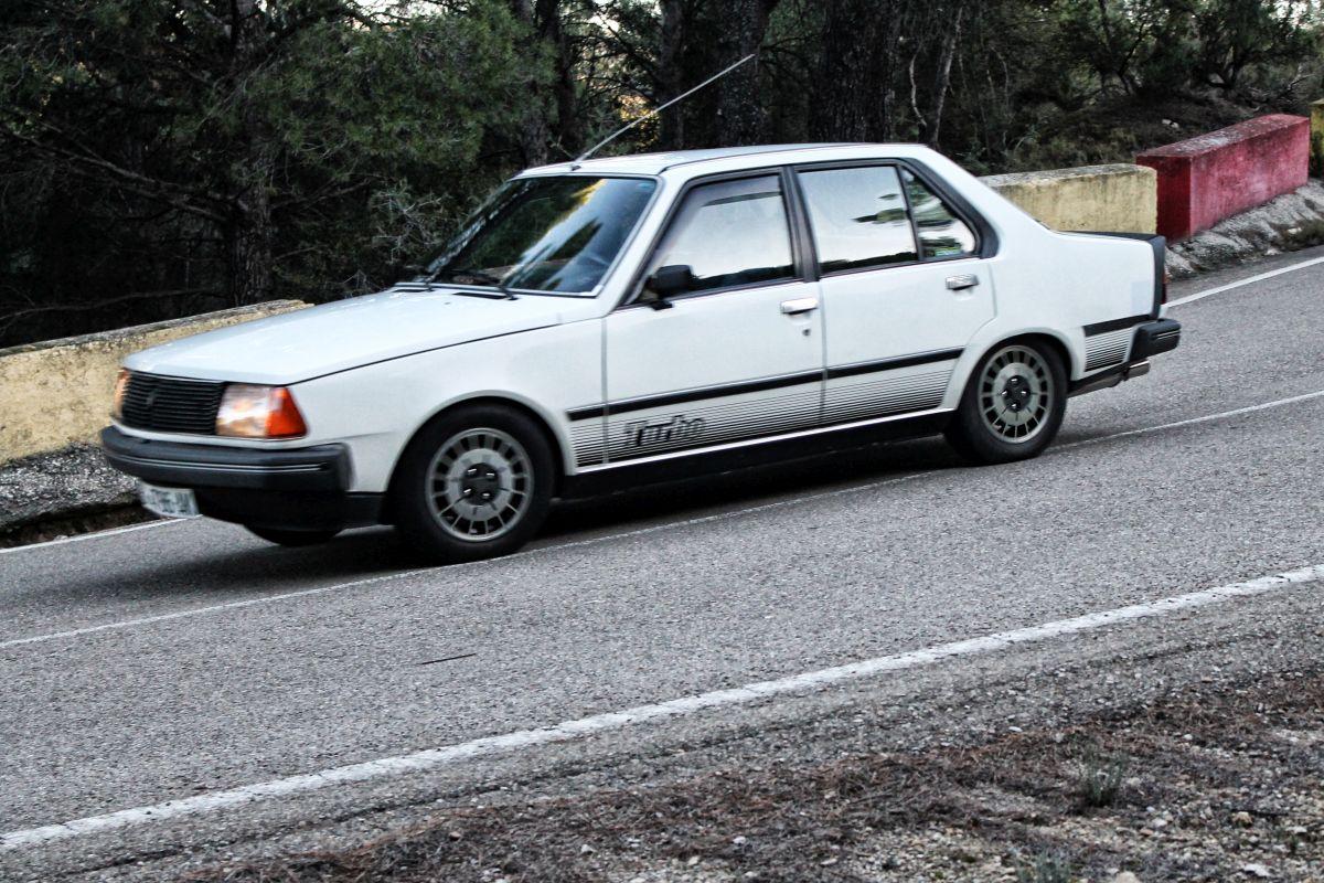 Renault 18 Turbo Historia Datos Y Prueba Clicacoches