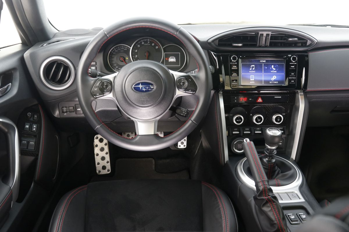 Subaru BRZ 2.0i. Salpicadero