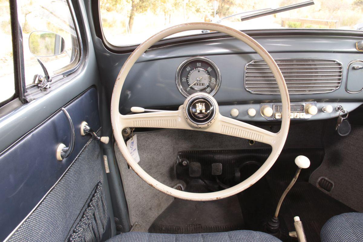 Volkswagen Escarabajo Oval 1955. Salpicadero