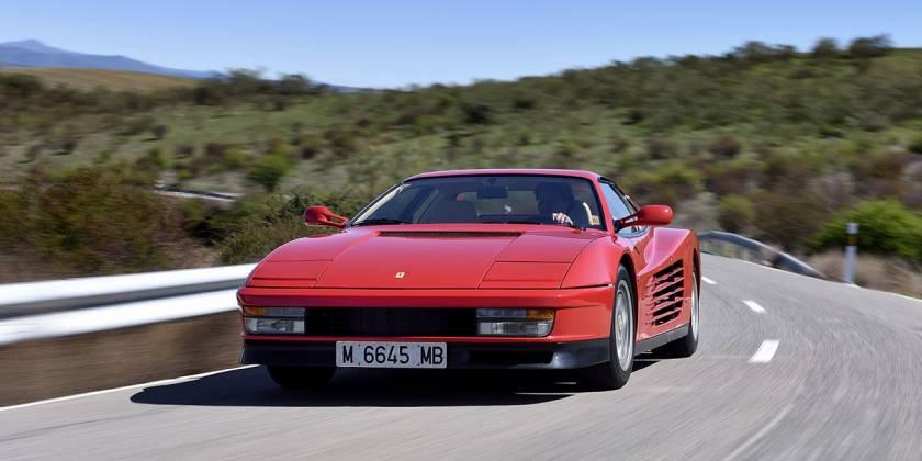 Probamos el Ferrari Testarossa, el coche de tus sueños
