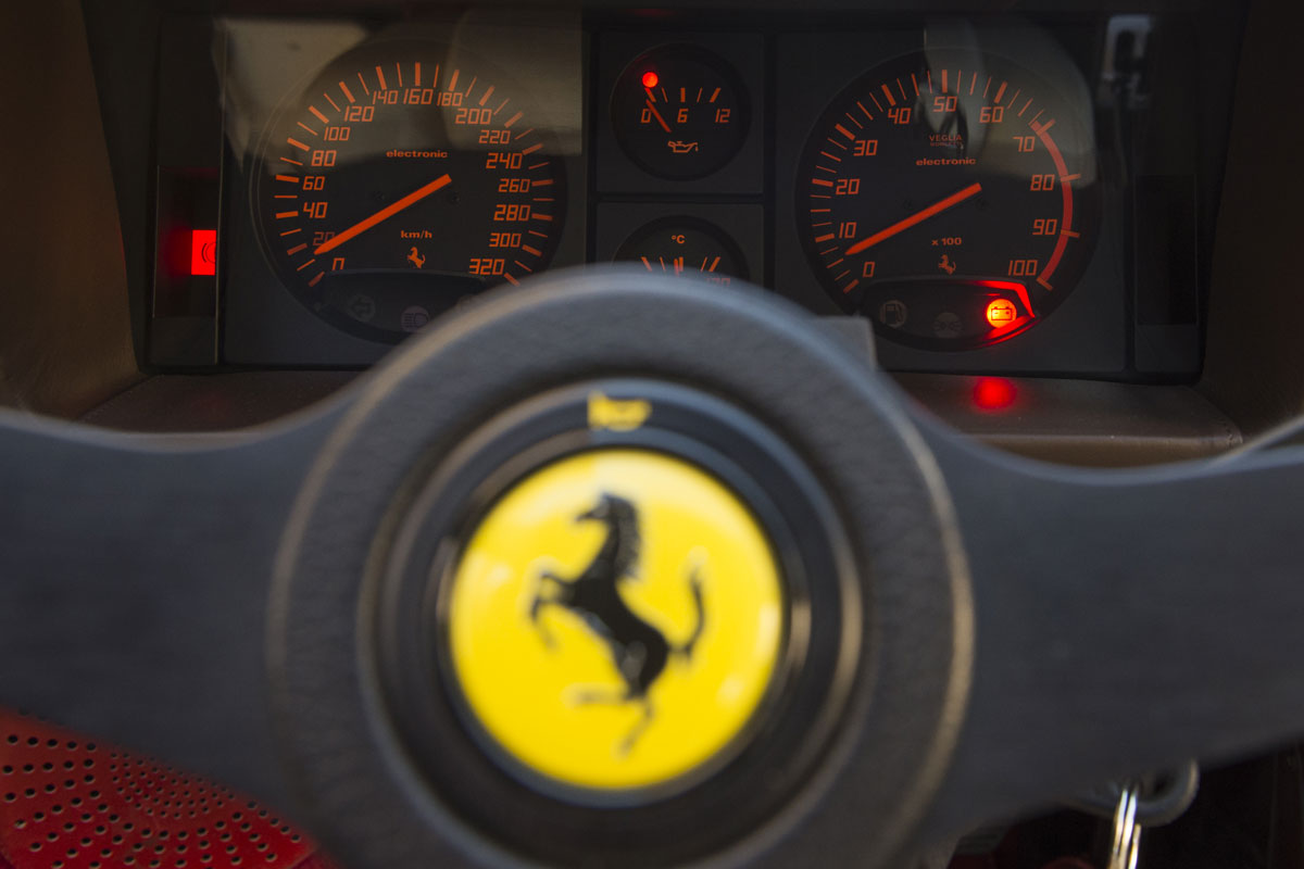 Ferrari Testarossa relojes