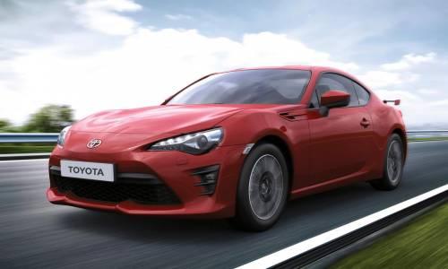 Toyota GT86 2018: nuevos frenos Brembo y llantas de diez radios