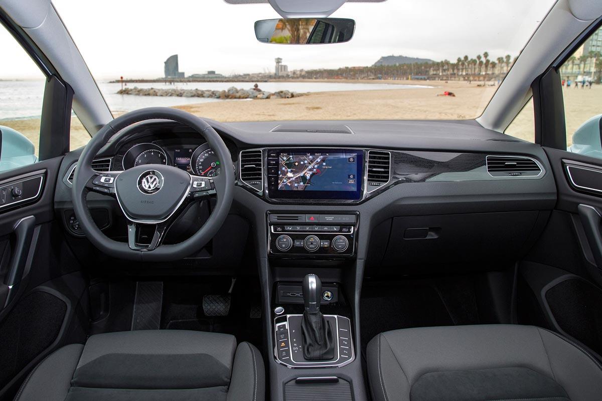 Volkswagen Golf Sportsvan 2018 interior
