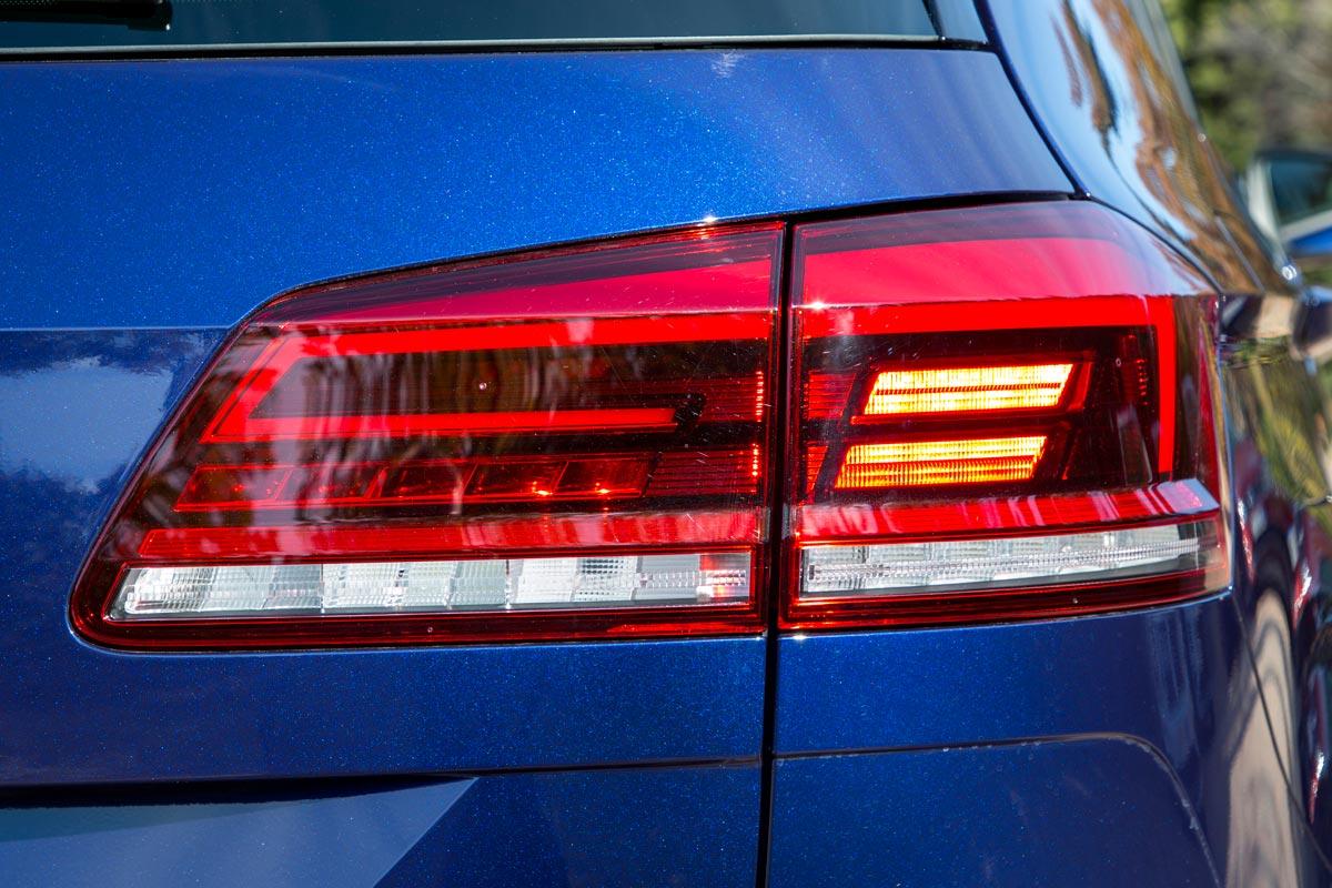 Volkswagen Golf Sportsvan 2018 faros traseros