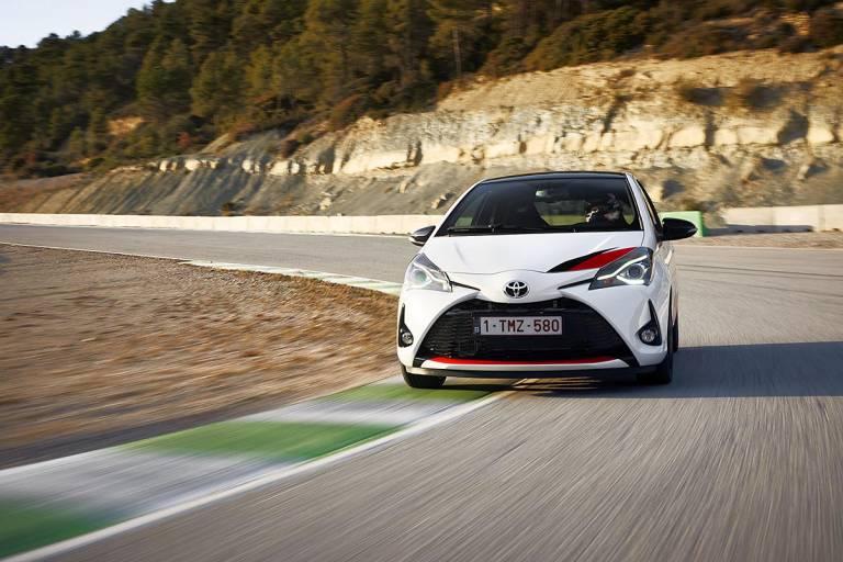 Toyota Yaris GRMN, curva