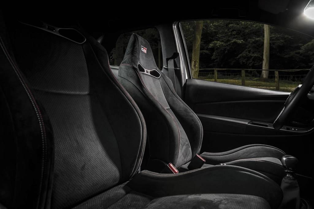 asientos Toyota Yaris GRMN