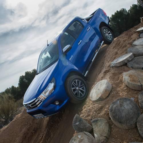 Prueba Toyota Hilux 2018, renovado y súper capaz, desde 30.468 €