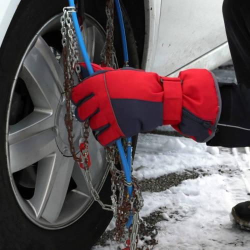Los 7 errores típicos que se cometen al poner las cadenas al coche