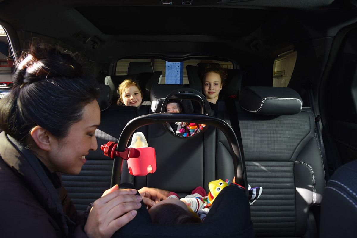 Los coches en los que caben tres sillitas infantiles de for Asientos infantiles coche