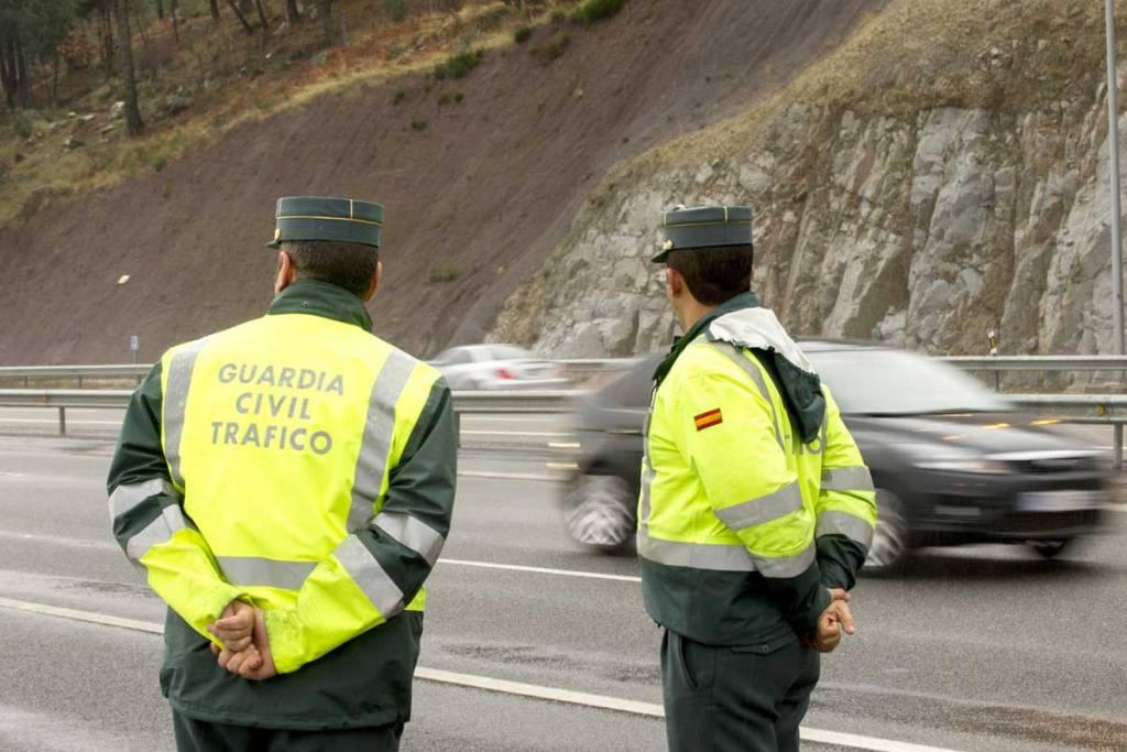 guardia civil tráfico retirada puntos carné de conducir