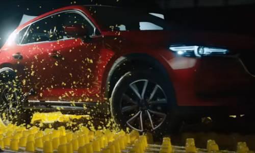 El Mazda CX-5 prueba su tracción integral sobre gelatina