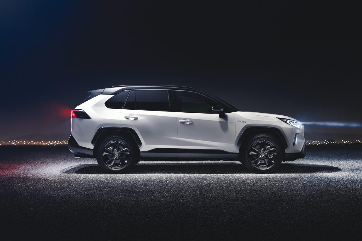 Toyota RAV4 2019, estilo anguloso y sin mecánicas diésel (fotos)