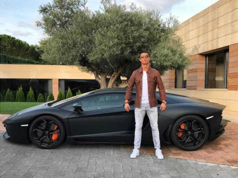 Lamborghini Aventador LP700 - 4