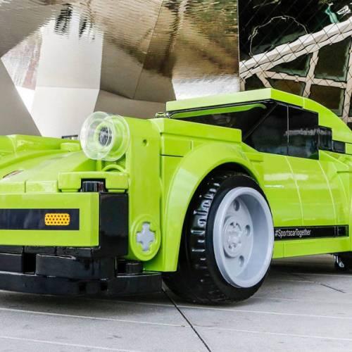 Se construye un Porsche 911 de Lego
