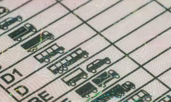 Estos son los vehículos que puedes llevar con el permiso B de conducir