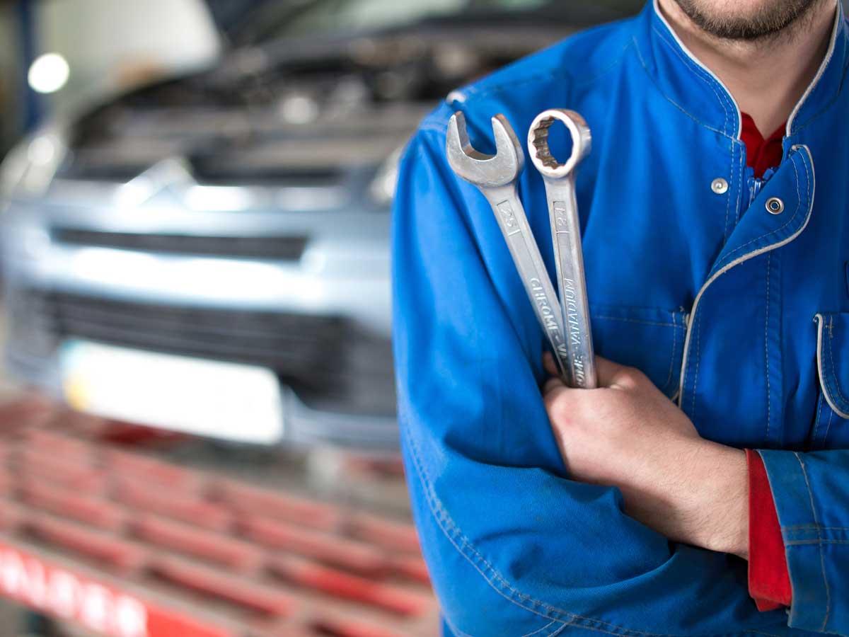 Detienen a un mecánico por vender los coches que llegaban a su taller