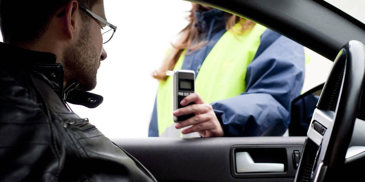 La DGT planea bajar la tasa de alcohol permitida a los conductores profesionales