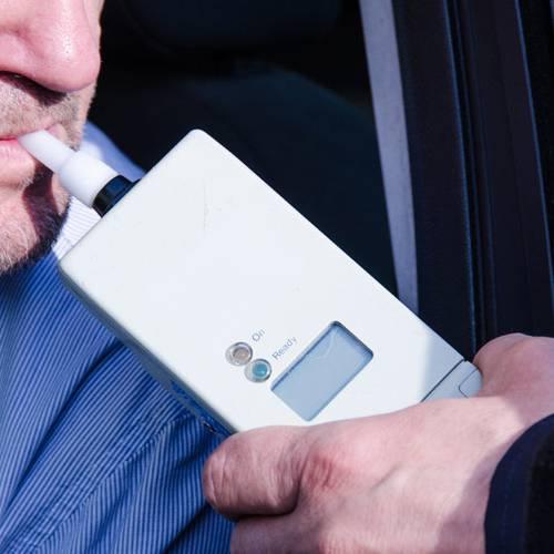 Alcohol y drogas al volante: los alarmantes datos de la DGT