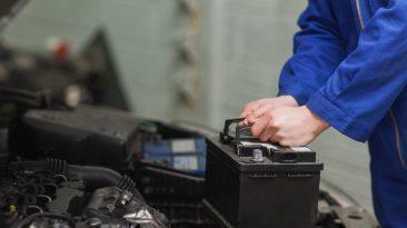 cambiar batería coche