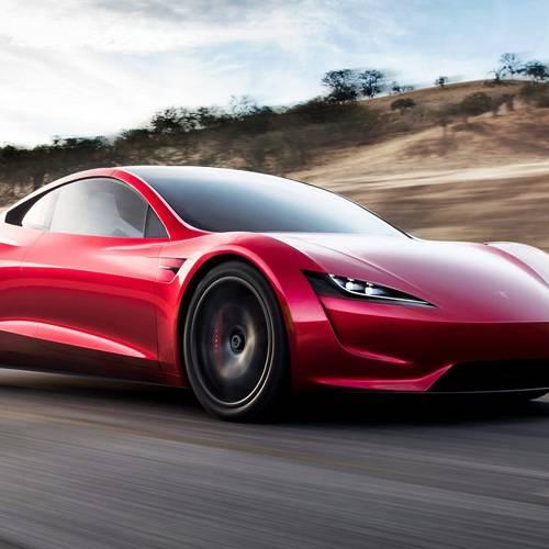 El Tesla Roadster podría contar con 10 cohetes espaciales