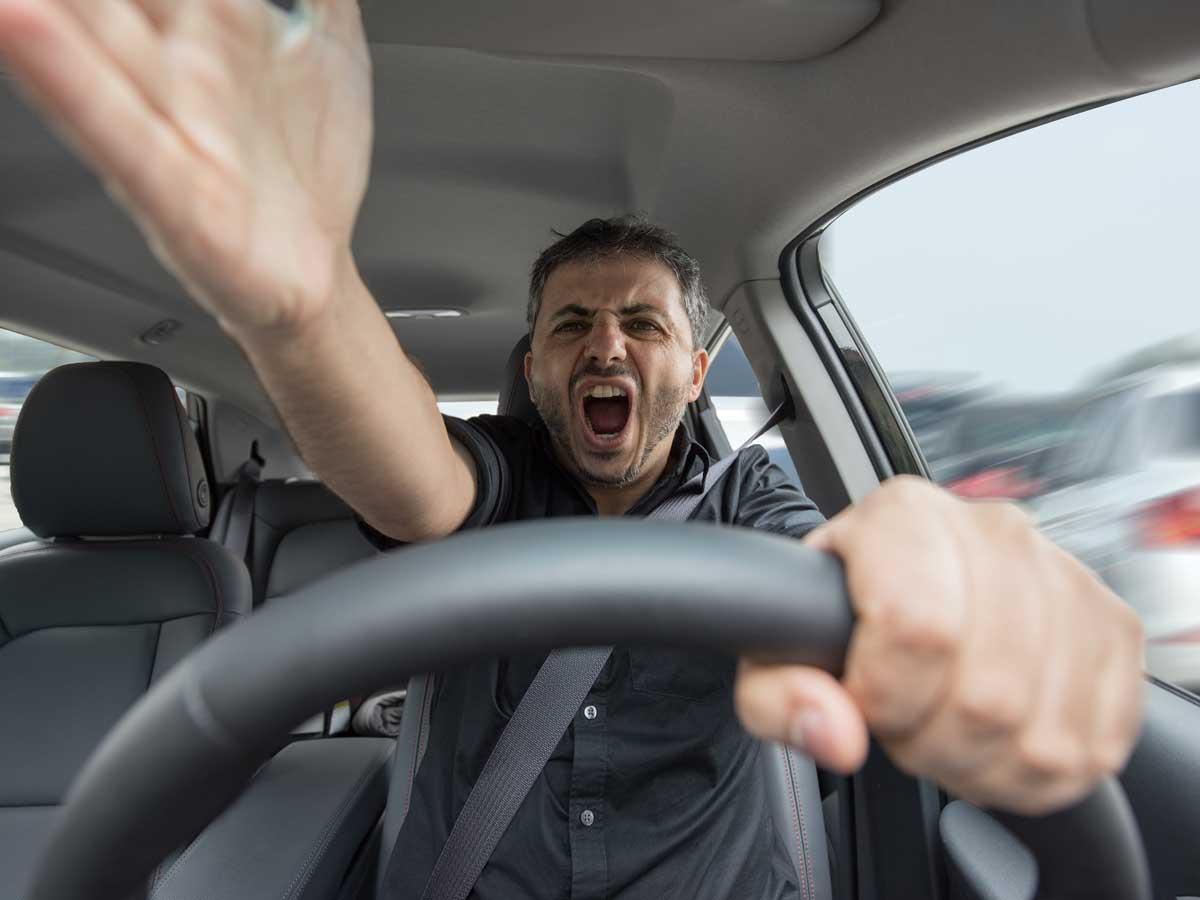 Acoso por insultos en la carretera