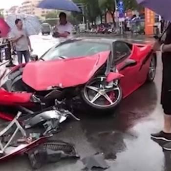 Alquila un Ferrari 458 Italia… y lo estrella
