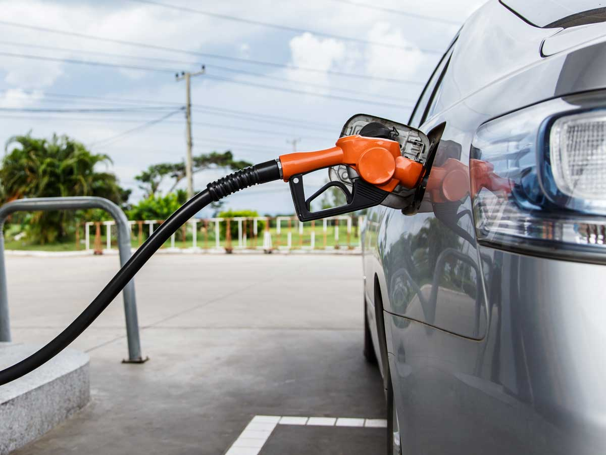 Multas en una gasolinera por mal aparcamiento