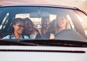 ¿Son los jóvenes los que más se distraen al volante?