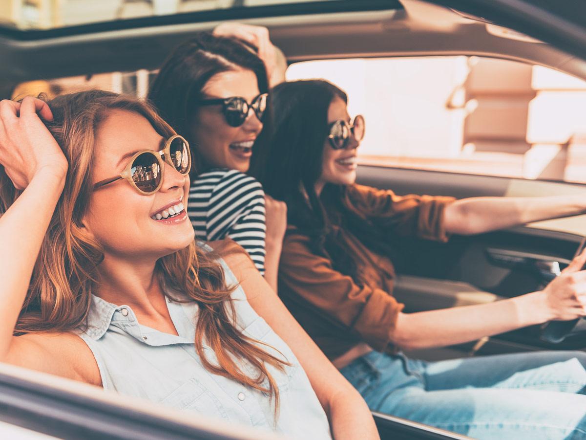 mujer conducir