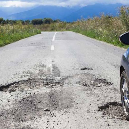 La mala conservación del asfalto, el mayor problema para los conductores