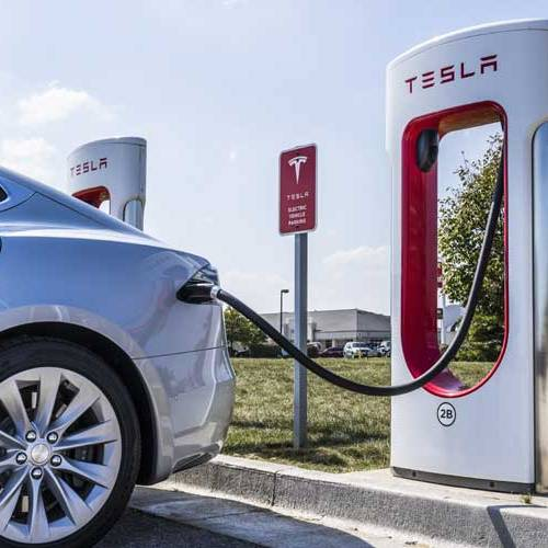 Tesla suma ya 25 estaciones de recarga rápida en España