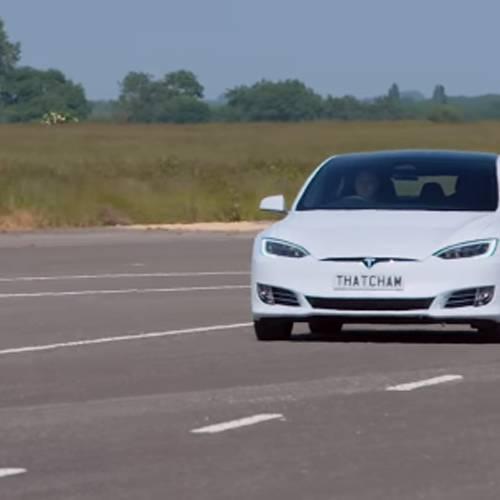 El vídeo que demostraría los problemas de Tesla con su Autopilot