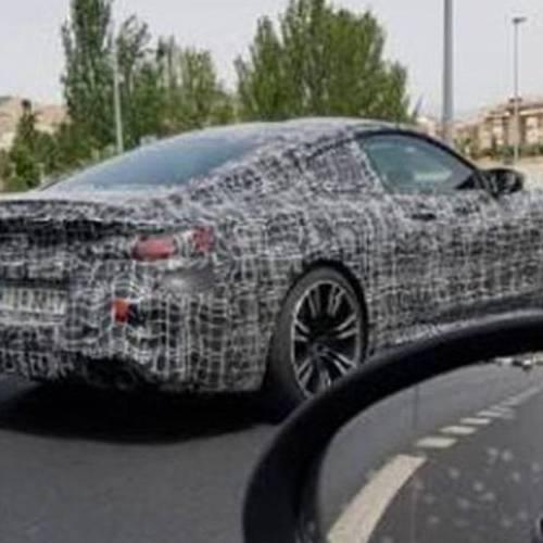 Un misterioso coche camuflado se deja ver por Granada y resulta ser un…