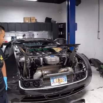 18.000 euros, ese es el coste de cambiar el aceite a un Bugatti Veyron