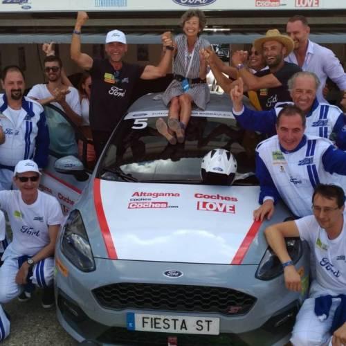 ¡El equipo Coches/Altagama/Love/CosasdeCoches gana las 24 Horas Ford!
