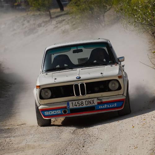 Prueba Racing: BMW 2002 Turbo, ¡booomba va!