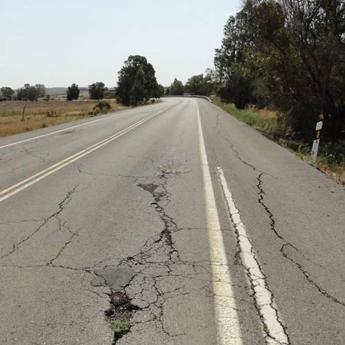 El mal estado de las carreteras obligaría a reducir el límite de velocidad