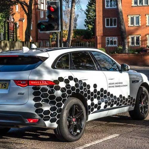 El proyecto de Jaguar-Land Rover que comunica sus coches entre sí