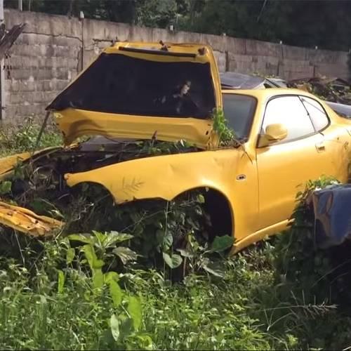 El coche que nunca esperarías encontrar en un desguace