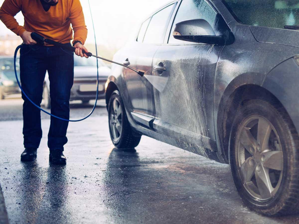 Resultado de imagen de lavado manguera gasolinera