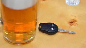 Conducir a 35º C o bajo el efecto de cinco cervezas, ¿qué es peor?